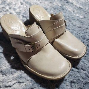 Dr Marten heeled boot